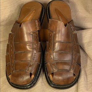 Bacco Bucci italian leather worn once slideins